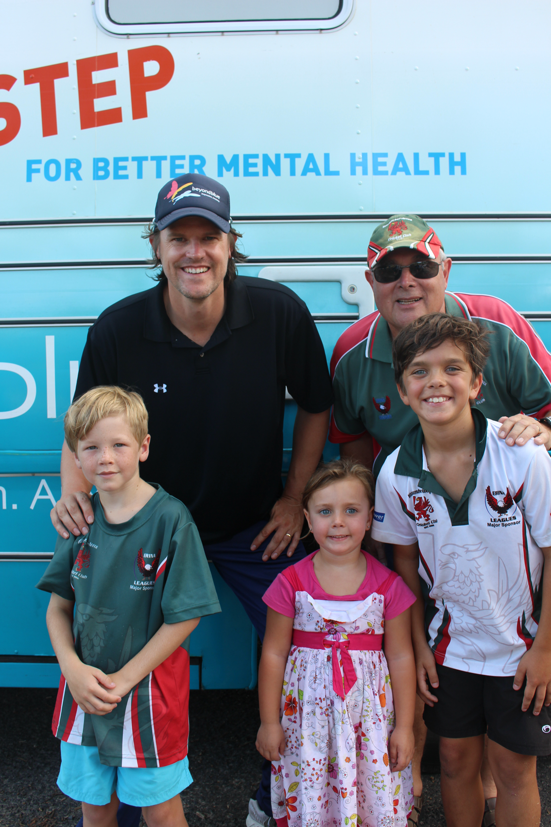 Cricketer Nathan Brackan supported Beyond Blue at a free cricket clinic in Erina: NSW.