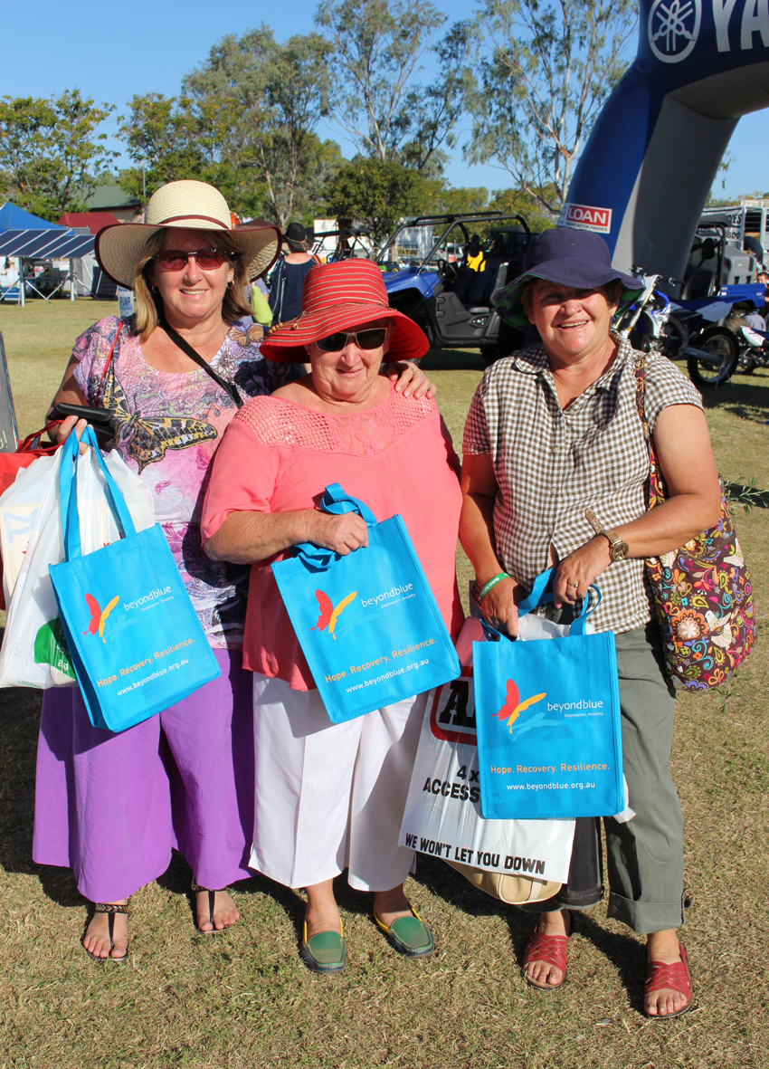 Women of Barcaldine pick up free resources at the Westech Field Days.