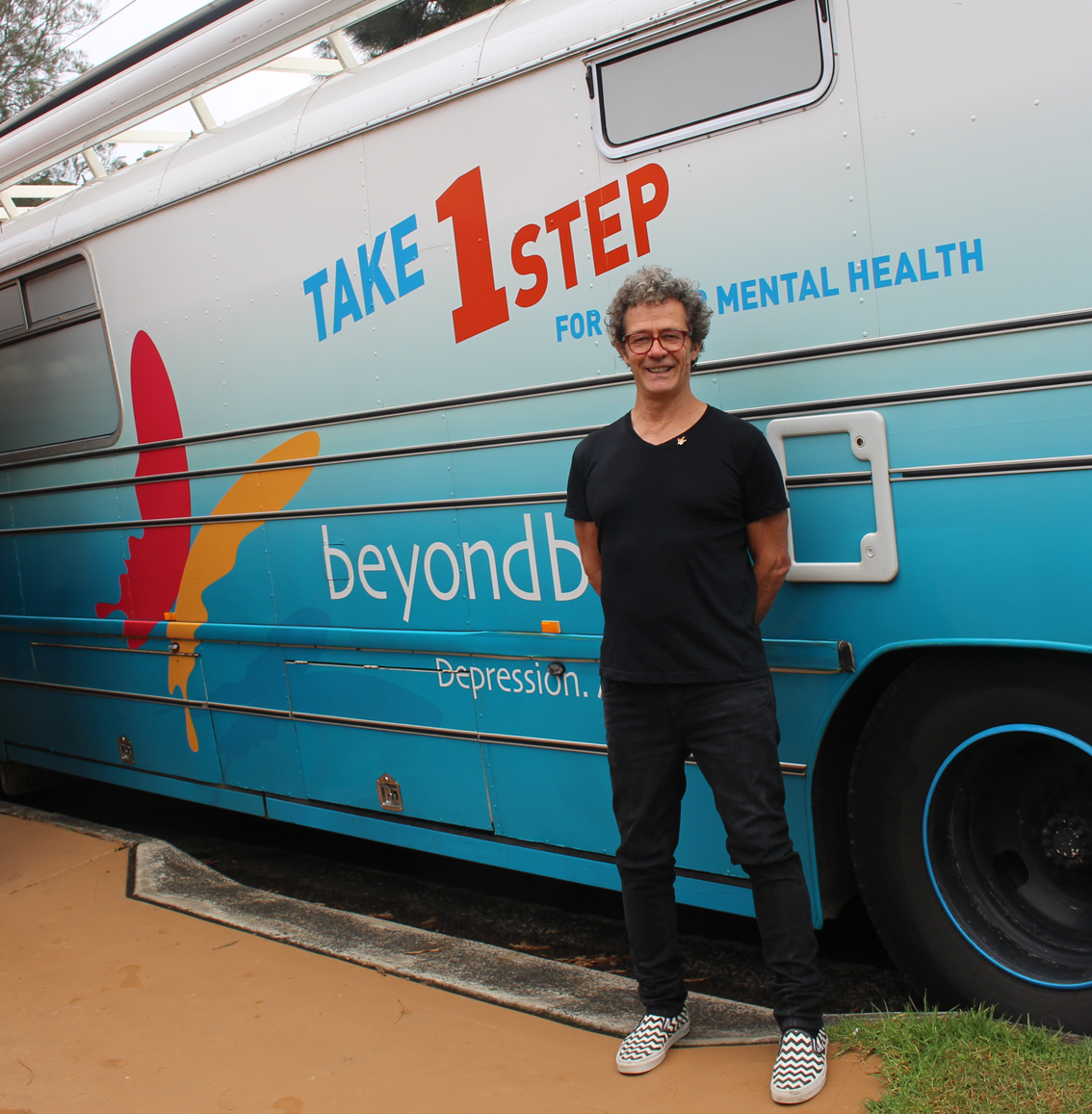 Beyond Blue Ambassador Mark Gable supported the bus in Avoca Beach.