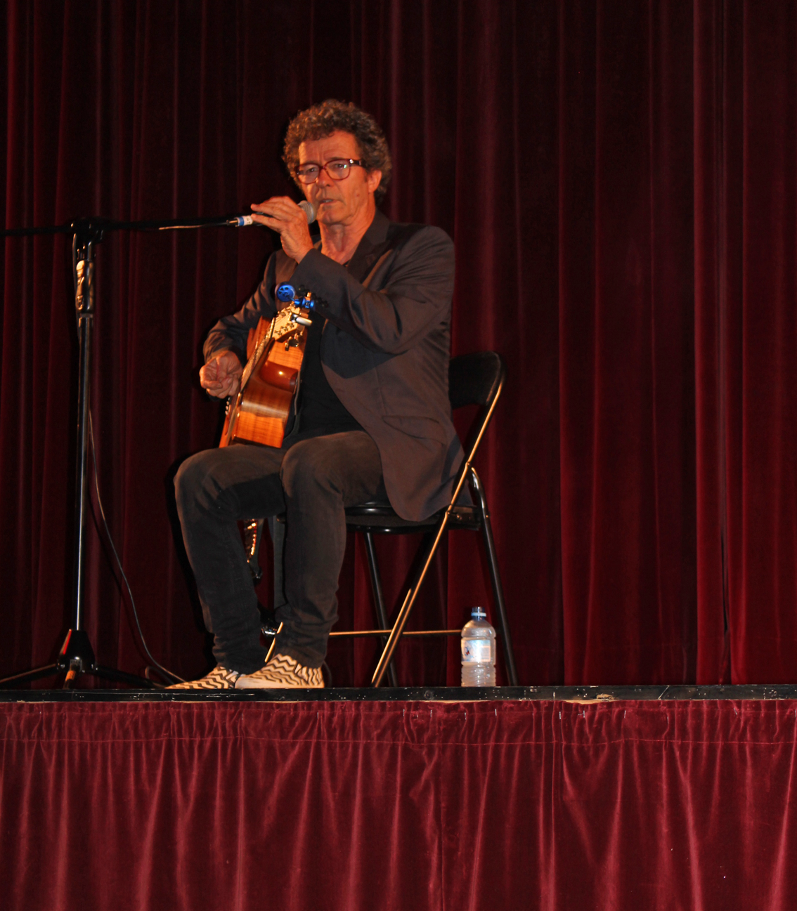 beyondblue Ambassador Mark Gable shared his story and performed at Avoca Beach Picture Theatre.