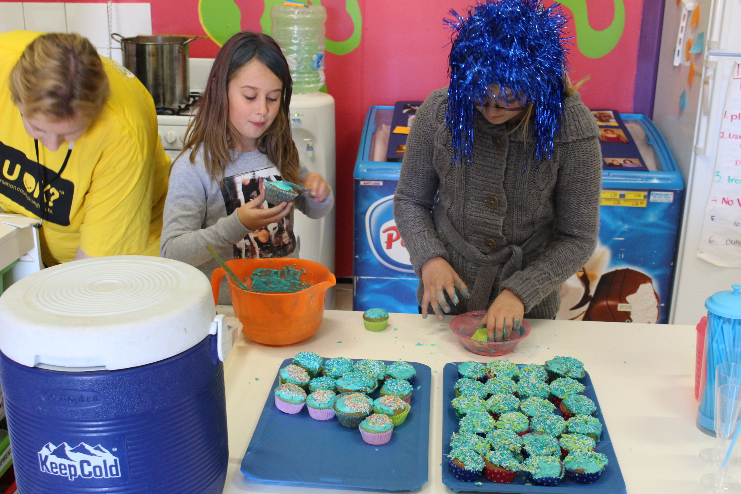 Blue cupcakes were on the menu at the Coober Pedy Youth Shed.