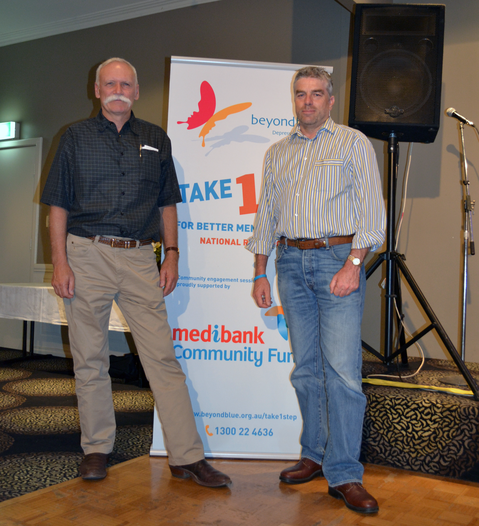 Clinical Counsellor Roger Fielke from RDGP with Beyond Blue Ambassador Tony McManus at Growers' Night Off.