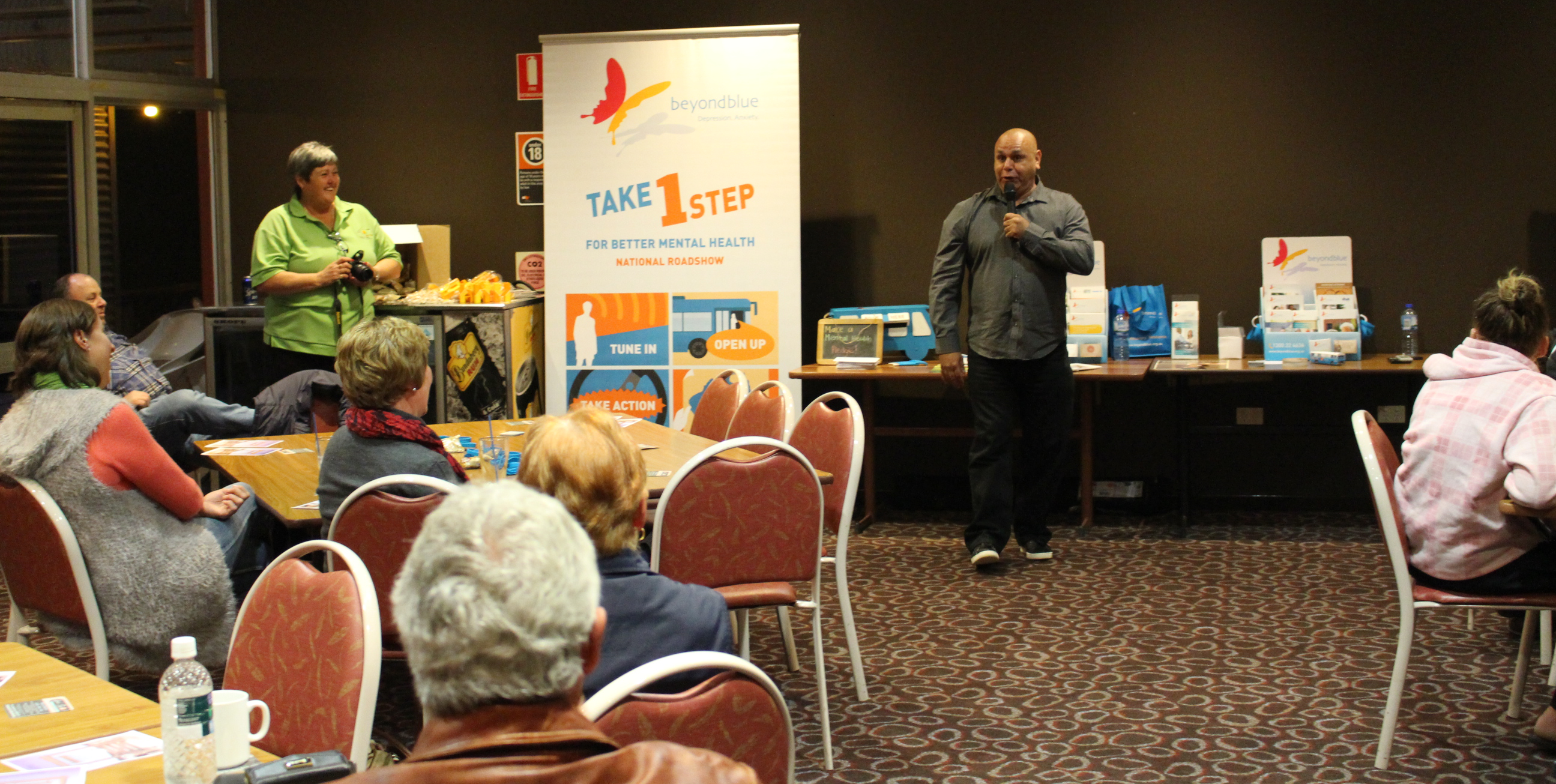 Comedian Kevin Kropinyeri entertains locals at the Cobar Bowling and Golf Club.