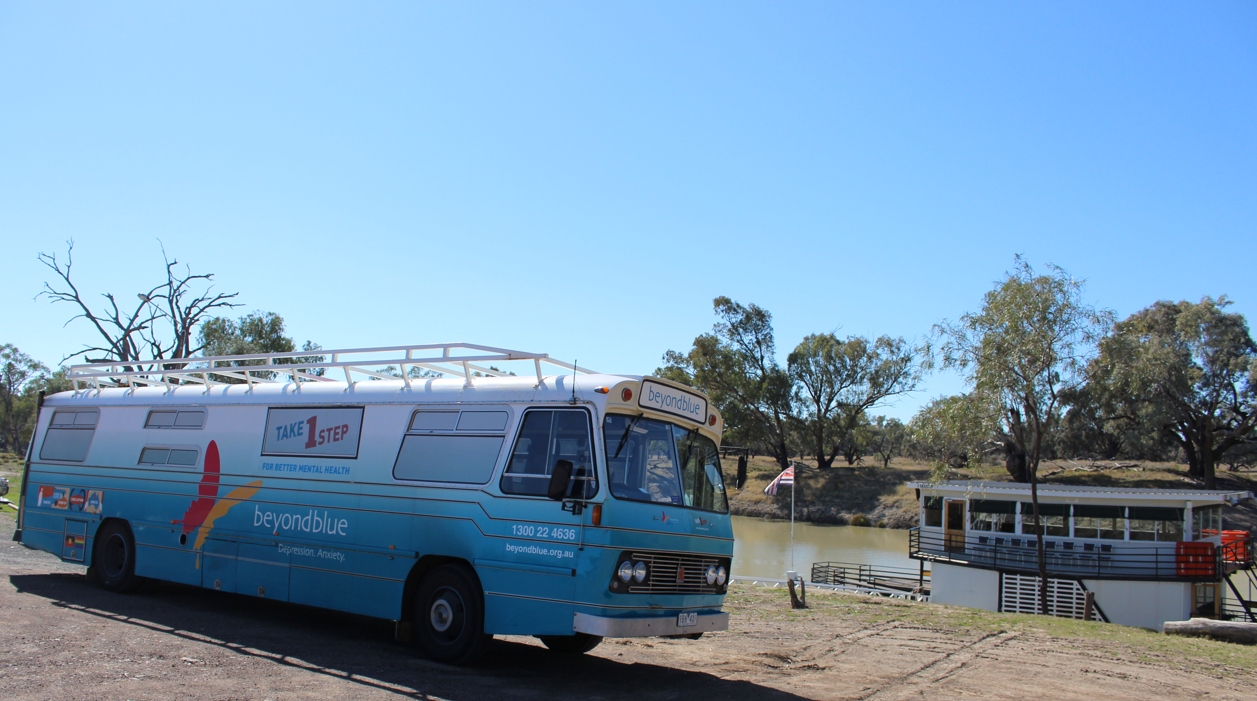 Roadshow Rhonda meets the paddlesteamer PV Jandra on the Darling River in Bourke.