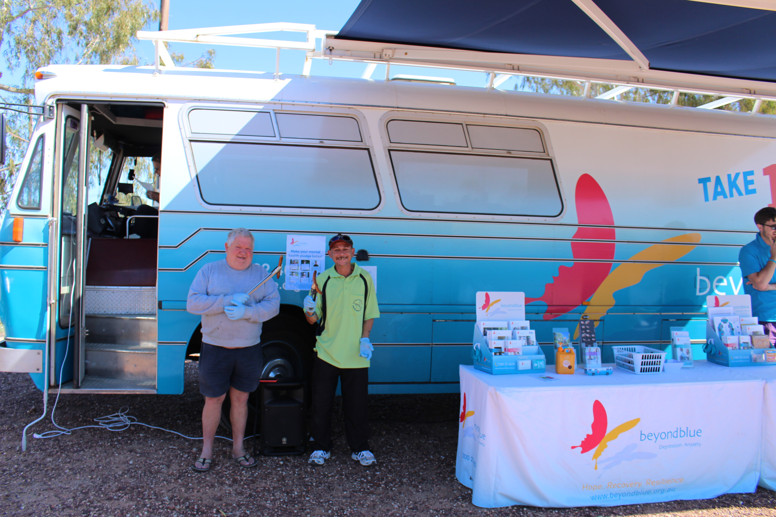 Keith and Trevor from the Lightning Ridge Men's Shed cooked up the community barbecue.