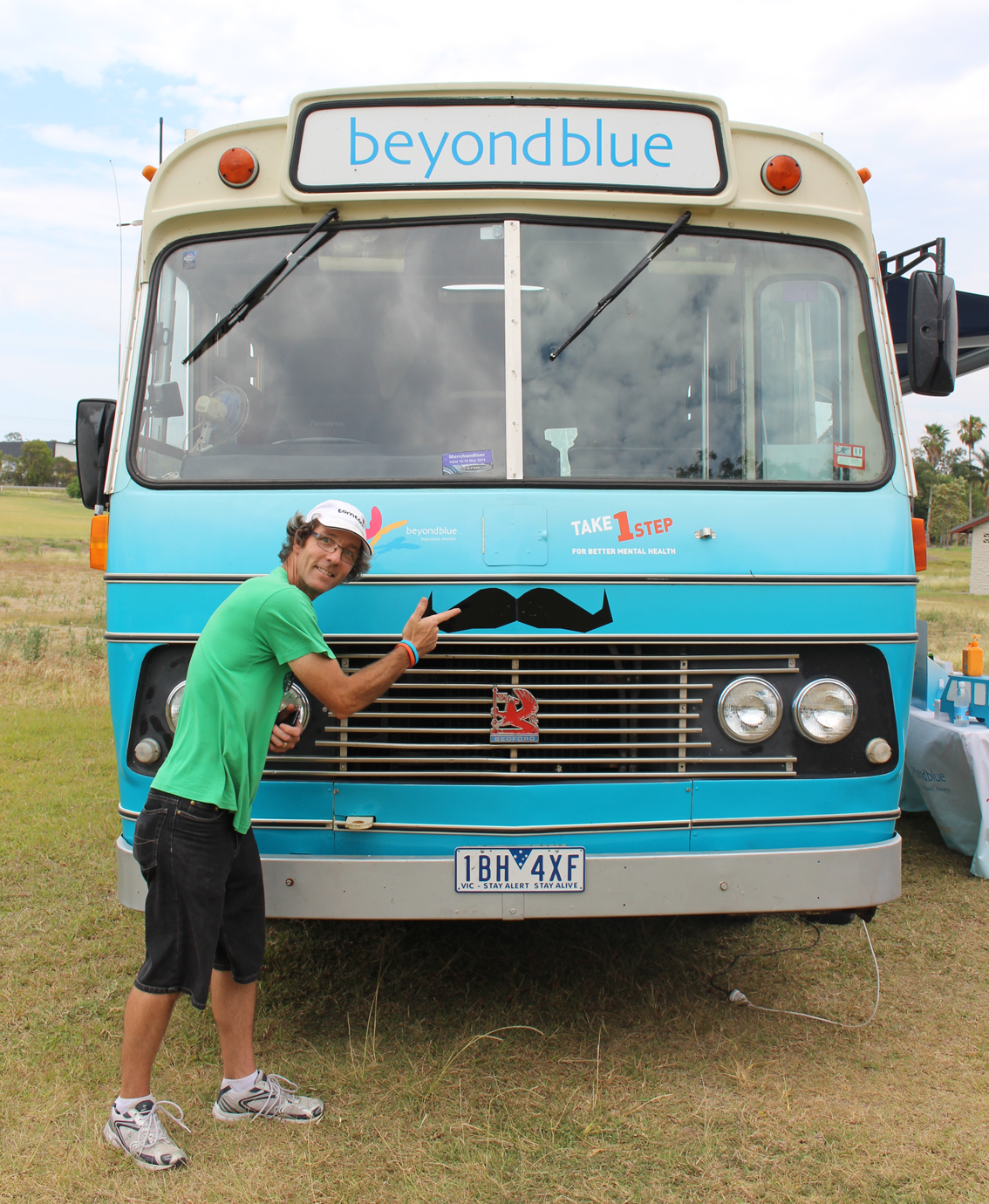 'Roadshow Ron' is unveiled at the Oxenford Men's Shed.