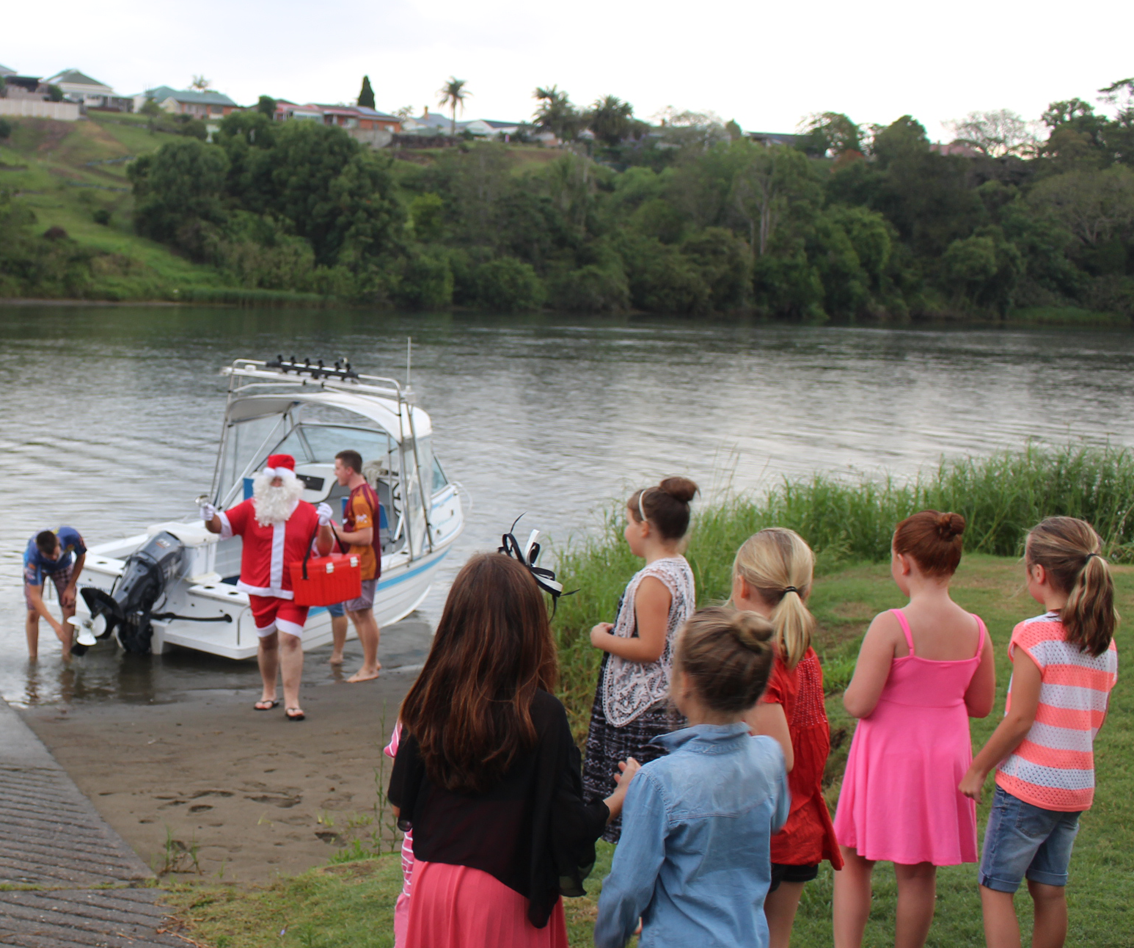 Santa arrives - not by sleigh - in Kempsey!