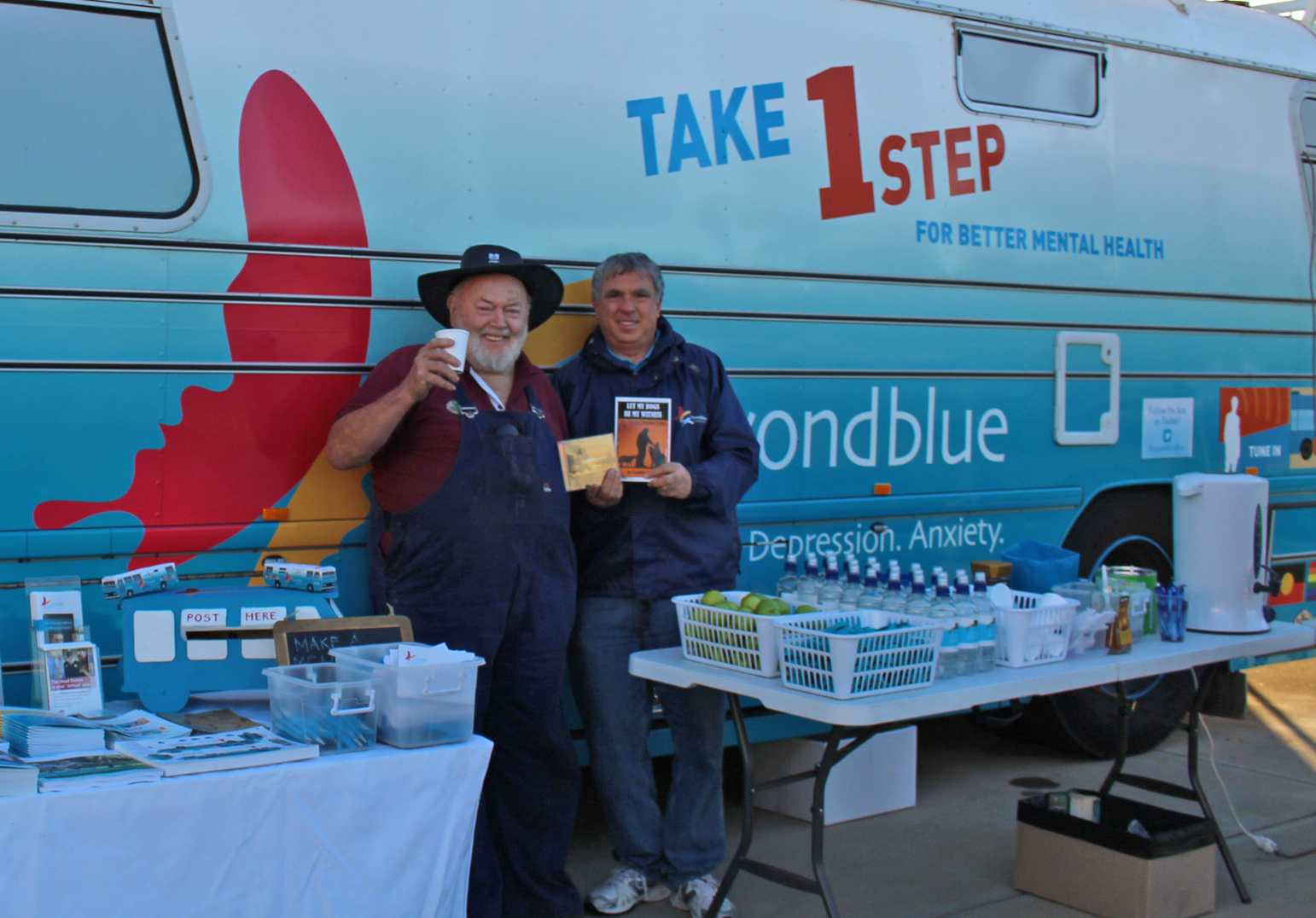 The marvellous Geoffrey Blight with roadster volunteer John in Narrogin.