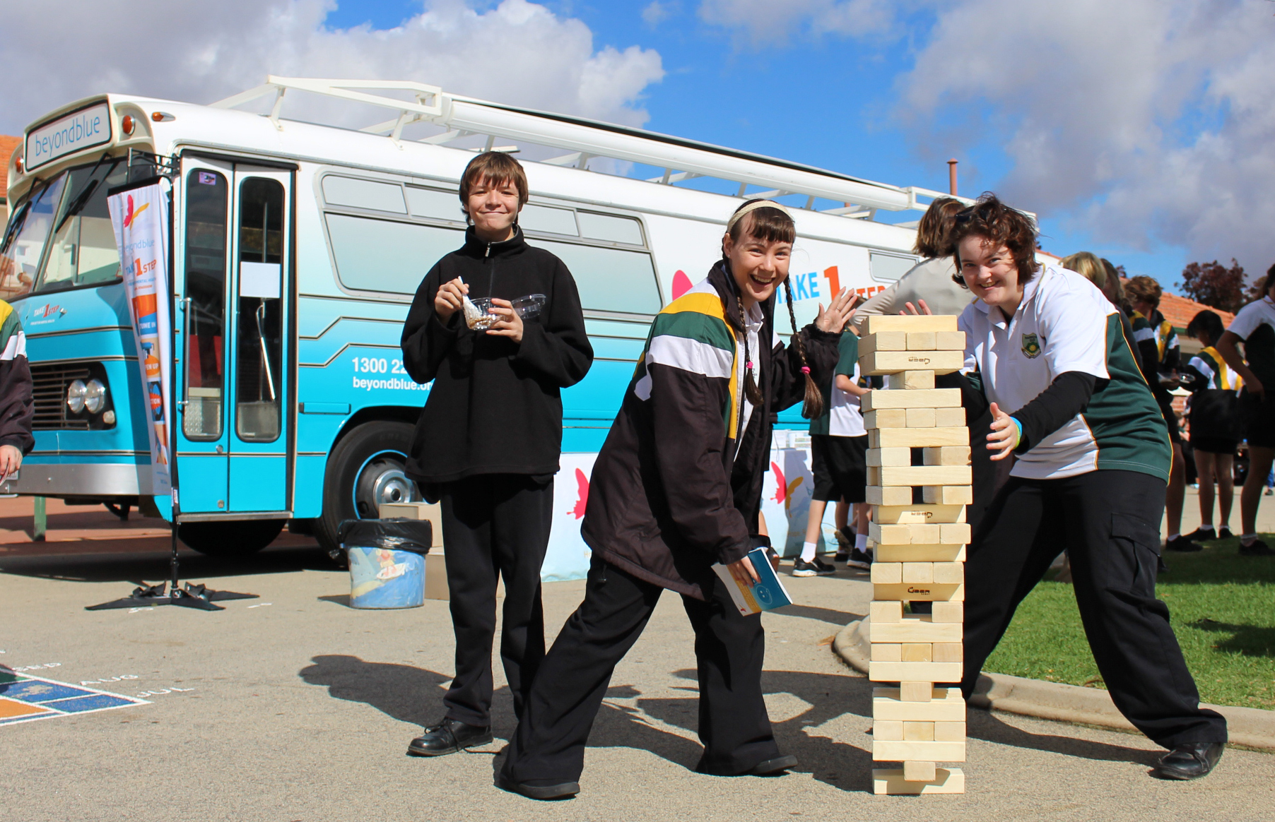 The contest heats up at Narrogin Senior High School.