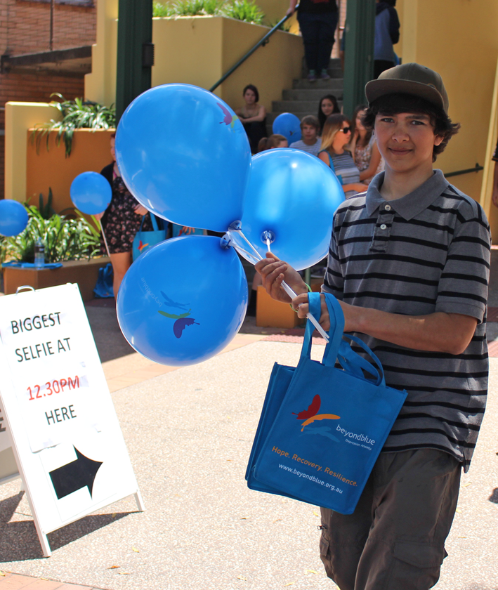 Handing out Beyond Blue balloons in Gympie.